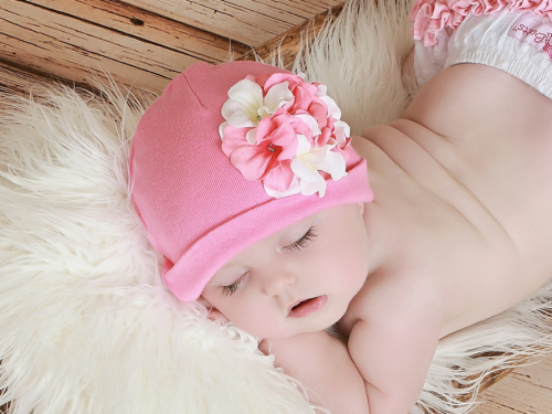 Candy Pink Hat with Pink & White Geraniums