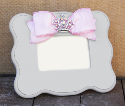 Princess Grey Scalloped Frame