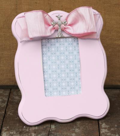 Light Pink Cross Scalloped Frame