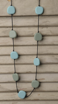 Teethease Livy Necklace - Blue & Green