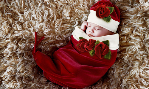 Precious memories will be captured in the Santa Baby Cocoon & Hat Set | SugarBabies Blog