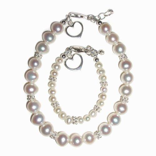 CM Mom & Me Hearts Freshwater Pearls White Bracelet